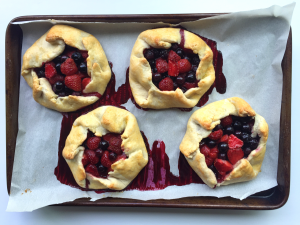 Strawberry Blueberry Rustic Tarts - Peach and the Cobbler - Dairy Free ...