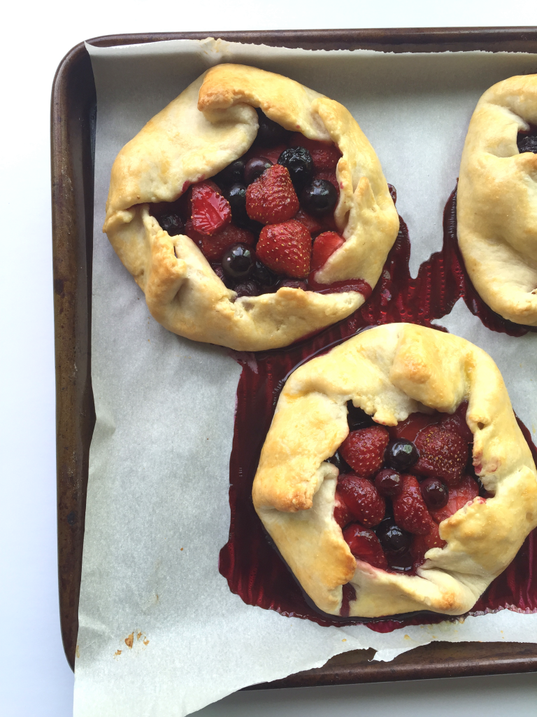 Strawberry Blueberry (dairy free) Rustic Tarts | Peach and the Cobbler